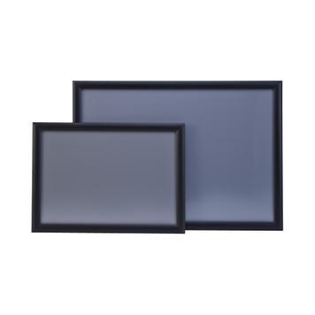 Црна рамка со 25мм профил и остри агли