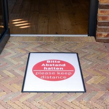 Рекламна рамка за на под